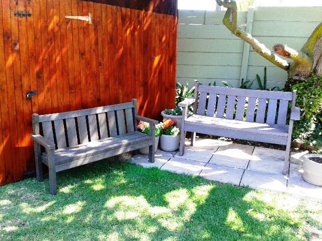 garden bench pre school & adult size